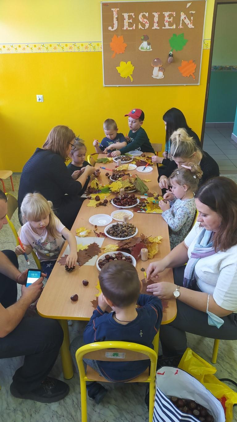 Grupa II – Dzień otwarty z rodzicami: Kasztanowo – żołędziowe zabawy